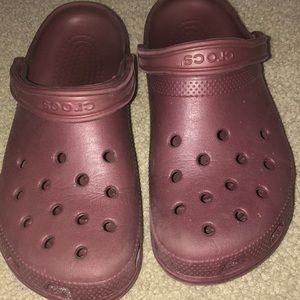 Maroon crocs men or women